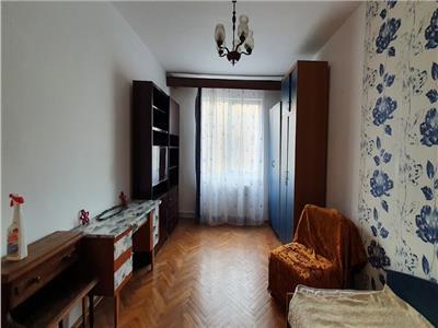 Apartament cu 3 camere etaj 2 in Tudor cu garaj langa bloc !