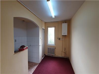 Apartament cu 2 camere, 2 balcoane zona Tudor