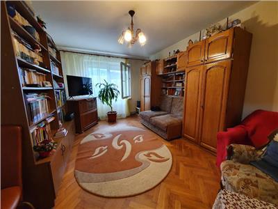 Apartament cu 3 camere, 2 bai in Tudor str Rodniciei